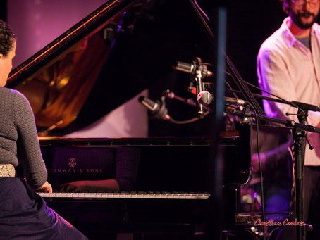 Festival JAZZ360 2021. Nefertiti Quartet : Delphine Deau joue sur un piano Steinway & sons B2 demi-queue. Cénac, le samedi 5 juin 2021. Photographie © Christian Coulais