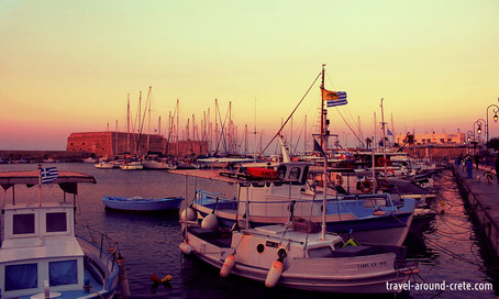 Heraklion, Marina, Town, Crete, Kreta, Holidays, Venetian Harbour, Minoan Culture, sunset, iraklion, ireakleion, iraklio, sunrise,Crete, Kreta, Kriti, travelguide crete, travel around crete, crete map, map of crete, things to do on crete, about crete,