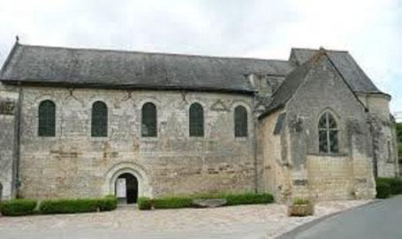 la chapelle XIVè au premier plan