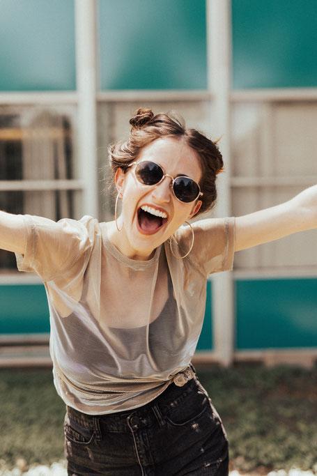 Pille Hormone absetzen - happy Woman