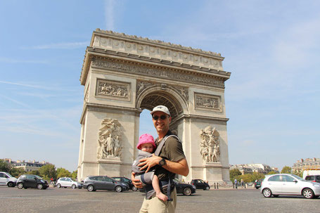 Using baby carrier for sightseeing