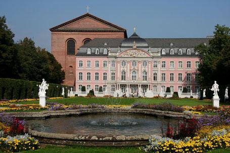 Foto: https://de.wikipedia.org/wiki/Kurf%C3%BCrstliches_Palais