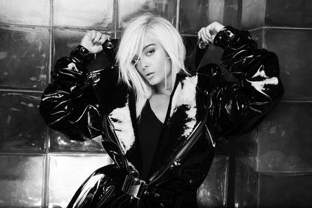 Popstar Bebe Rexha. (c) Warner Music