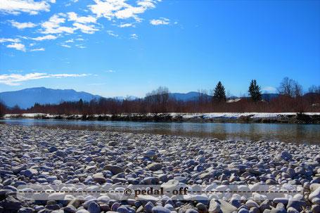Wasser See Fluss fließend Natur Outdoor Naturfotographie isar bayern sandbank im frühling