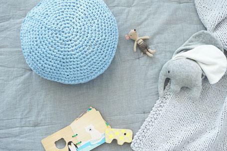 Haekelset mit Textilgarn für ein rundes Haekelkissen