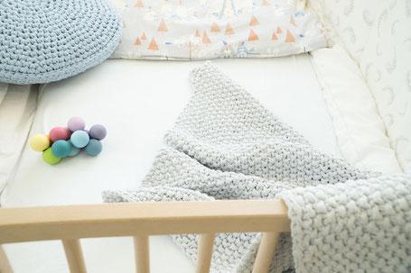 Textilgarn für Babydecke als Strickset