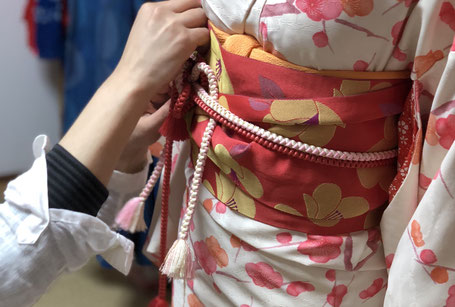 太宰府で訪問着、袴、振袖着付け