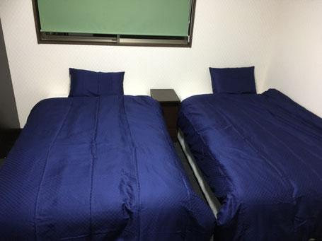 時愉亭 ベッド