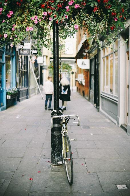 vélo vintage d'occasion belle rue