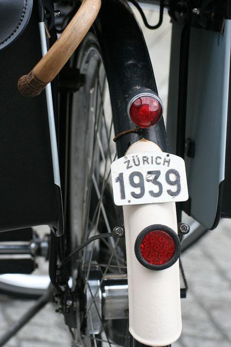 carte grise sur vélo hollandais
