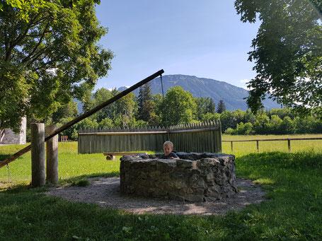 Ritterspielplatz mit Blick auf den Breitenberg