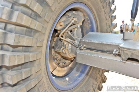 6-piston D&D brakes