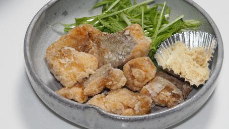 料理写真3「鮭のザンギ」