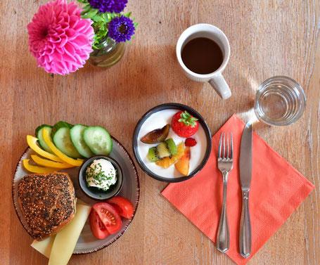 Gesunde Mahlzeit mit ballaststoffreichen Nahrungsmitteln in dem Melbo's Restaurant in Lindau