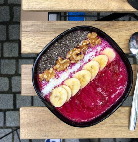 Fresh Corner in Konstanz hat gesunde Bowls auch in vegetarischer und veganer Variante