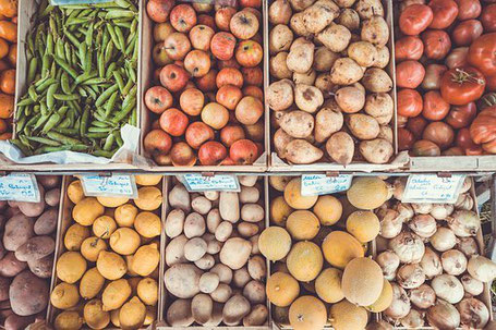 Der Markt in Ravensburg treibt viele umweltbewusste Besucher jede Woche in die Altstadt, um frisch und regional einzukaufen.