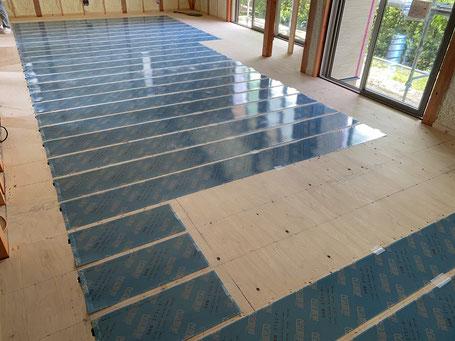 電気床暖房システム(スリーエステクノ「床暖だん」)
