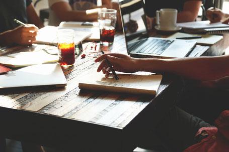 Teamarbeit bei Textura-Textservice