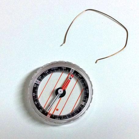 磁針カプセルStableは安定した磁針の動きで方角を指します