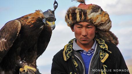 Le nomade kazakh avec son aigle