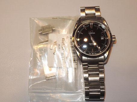 ベルトの着け外しに使うプッシュボタン部分が壊れてしまった、OMEGA(オメガ)の腕時計