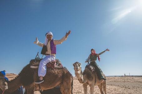 アラジンの衣装でラクダに乗ってみた♪/モロッコ・サハラ砂漠