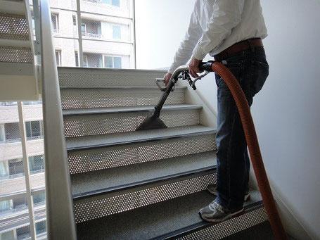 階段などの狭い範囲で役立つ、ウォンド(吸い口)が小さいリンサー