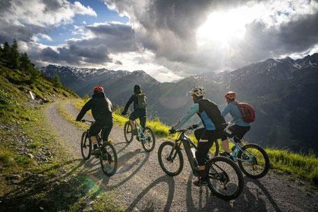 Geführte e-Bike Touren in St. Anton