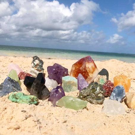 Cristales,Cristales de Cuarzo,chacras,cuarzo,chakras,cuarzos,cuarzos blancos,cuarzos amatistas,cuarzos amarillos,cuarzo citrino