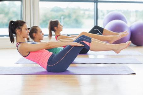 Mit gezielter Rückbildungsgymnastik kommt ihr Körper schnell wieder in Form.
