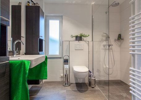 Bad für Senioren, altersgerecht, unterfahrbarer Waschtisch,