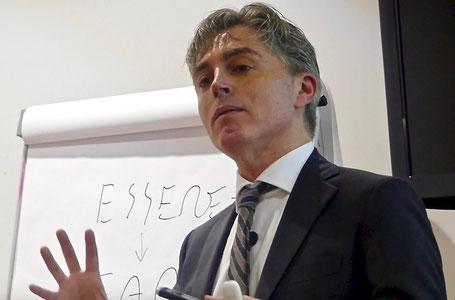 Dr. Armando Nuzzolo