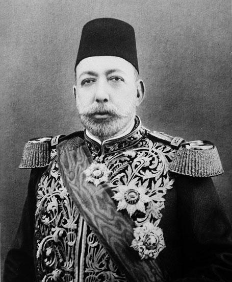 Mehmet V Resad Sultan des Osmanischen Reiches 1909/18 hier mit dem Osmanje und Mecidi (Wiki)