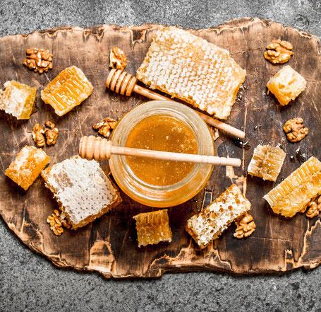 Honigglas mit Honig