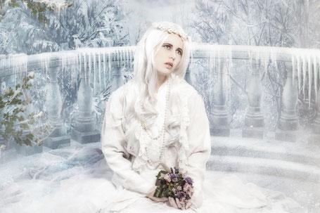 Fantasy Foto von dem Model Ravienne Art in einer Eiswelt