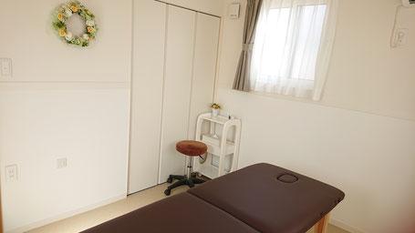 当日使用するお部屋。南向きで清潔感あるシンプルなお部屋です。