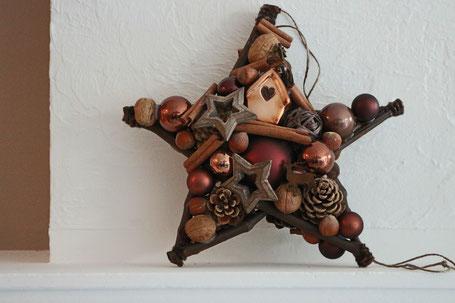 Brauner - handgemachter Stern in 30 cm Durchmesser mit Glaskugeln - Nüssen - Holz Accessoiresn glaskugeln türkranz weihnachtsdeko fensterschmuck
