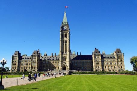 Kanada Osten Rundreise: Der Parliament Hill in Ottawa