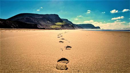 Reisesprüche Reisegedanken Reisezitate -  Nimm nur Erinnerungen mit. Hinterlasse nichts außer Fussspuren