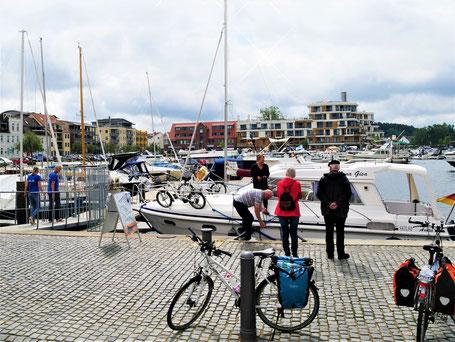Mecklenburgische Seenplatte Sehenswürdigkeiten: Hafen von Waren an der Müritz