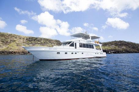 Galapagos Hotels: Tagesausflüge mit dem Hotelboot