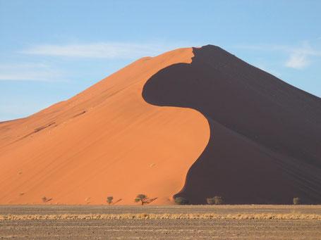 Sossusvlei, Namibie - Photo : Harald Süpfle (Wikipédia)