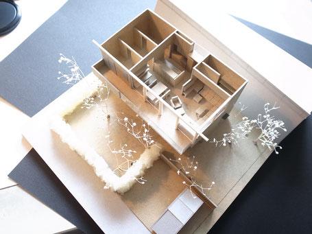 O邸 模型 内観の画像
