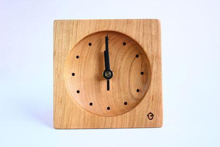 卓上時計 置き時計 時計 木 サクラ ぬくもり 新築 結婚 お祝い 飛騨高山