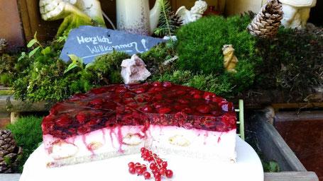 Unsere Himbeer- Windbeutel Torte!!! mega lecker