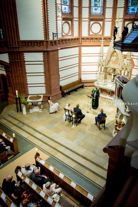 St. Gertrud Kirche, Hamburg, Hochzeit, liliaspoerhase, Fotografie, Lilia Spörhase, Sankt Gertrud, Uhlenhorst, Brautpaar, Gottesdienst