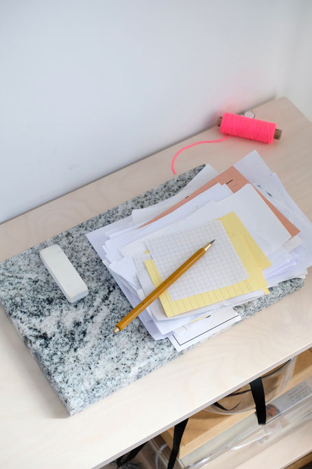 dieartige // #fridaysforfutureathome - recycelte Notizzettel + nachhaltiger (Blei)Stift