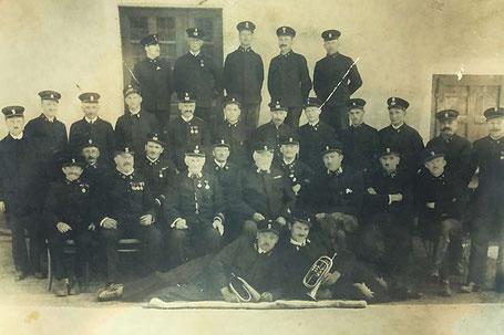 Mannschaftsfoto um 1932 Feuerwehr Pischeldorf