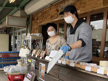 「カフェ スーリール」澤井さん夫婦