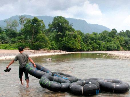 Tuben in Bukit Lawang op Sumatra